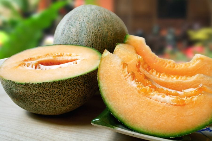 How to Ripen Cantaloupe Fast (Before or After Picking)